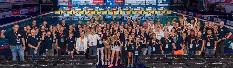 Day_2, FINA, Final, Finale, Pieter van den Hoogenband, Pieter van den Hoogenband zwemstadion, SWCE18,  Swimming World Cup Eindhoven 2018, TIG Sports, competition, dag_2, groepsfoto, sport, #volunteers, #vrijwilligers, wedstrijd, www.zwemfoto.nu | :copyright: Kees-Jan van Overbeeke | _KJV4445_20180929_181815