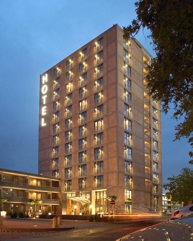 Hotel Eindhoven van der Valk buiten